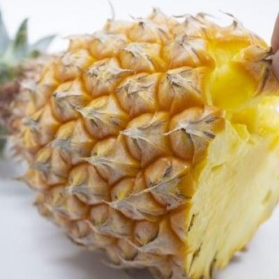 【送料無料】沖縄宜野座村産完熟パイン約6kg
